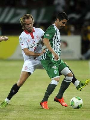 Sevilla acusou os furtos após retornar do amistoso com o Atlético Nacional Foto: EFE
