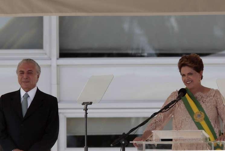 Dilma Rousseff toma posse para mais quatro anos na presidência do Brasil