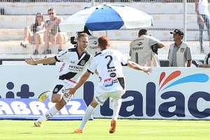 Ferrugem (número 2) vai reforçar o Corinthians no Brasileiro Foto: Marcos Bezerra / Gazeta Press