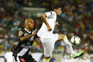 Herói na semifinal do Campeonato Paulista, Stéfano Yuri teve atuação apagada Foto: Ricardo Saibun / Gazeta Press