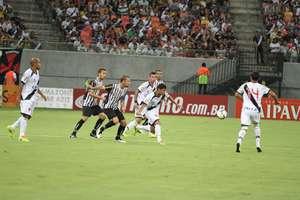 """Times cariocas protagonizaram o primeiro teste da arena no """"padrão Fifa"""" Foto: Clóvis Miranda / Vipcomm"""