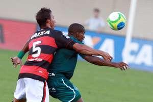 Goiás tem a vantagem de jogar por dois resultados iguais Foto: Carlos Costa / Futura Press