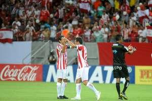 Náutico superou Salgueiro no tempo regulamentar por 1 a 0; nos pênaltis, fez 5 a 3 Foto: Aldo Carneiro Costa / Gazeta Press