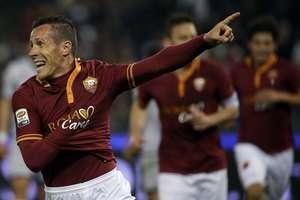 Taddei deixou sua marca em mais uma vitória da Roma Foto: AP