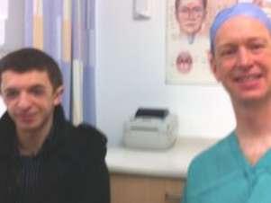 Cirurgião Alex Bennett espera que experiência com Hogg trará esperança para outros pacientes Foto: BBCBrasil.com