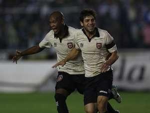 Juninho fez gol de falta e deu assistência Foto: Paulo Sérgio / Agência Lance