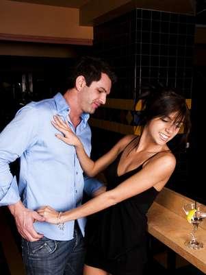 Esse comportamento feminino é uma maneira de testar o comprometimento Foto: Getty Images