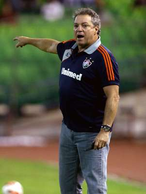 Abel Braga culpou administração daUniversidad Central da Venezuela, dona do estádio utilizado Foto: AP