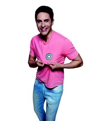 Ricardo Tozzi posou para a campanhaO Câncer de Mama no Alvo da Moda Foto: Gui Paganini/Divulgação