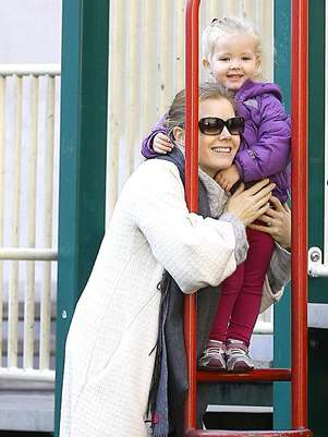Amy Adams e a filha, Aviana Foto: BangShowBiz / BangShowBiz