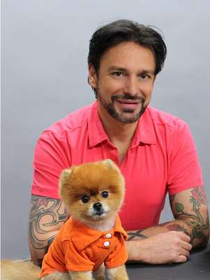 O pet stylist Jorge Bendersky é um dos divulgadores da nova tendência norte-americana Foto: Reprodução/Facebook