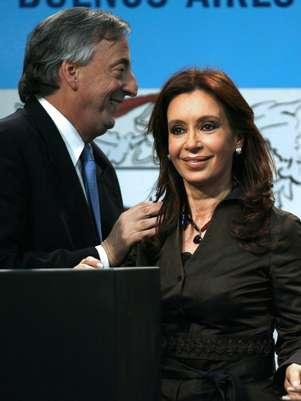 Néstor Kirchner foi sucedido na presidência pela mulher,Cristina Foto: AFP