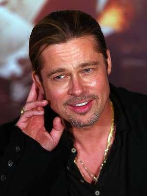Dublê teve que aprender a se vestir e locomover como Brad Pitt Foto: Getty Images