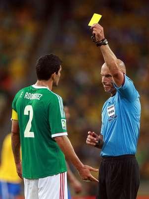 Howard Webb apitou Brasil x México; contra Espanha, foi o árbitro da última derrota da seleção principal, diante da Suíça Foto: Getty Images