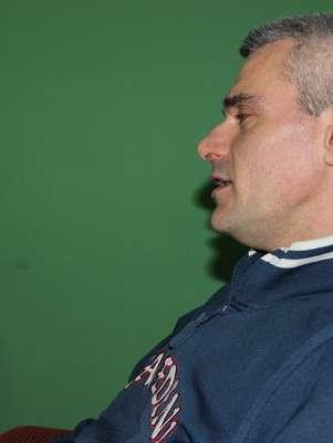 H.L.P, 40 anos, foi acusado três vezes de agressão contra a mulher e completou a participação do quinto encontro na última segunda-feira (24) Foto: Thaís Sabino / Terra