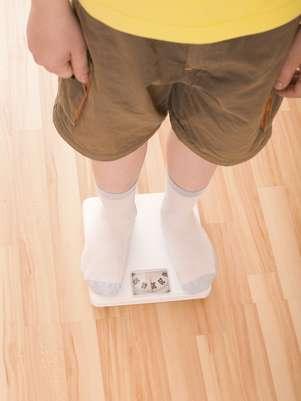Pesquisa mostra que os meninos são menos preocupados com a balança que as meninas Foto: Getty Images