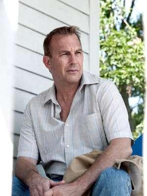 Kevin Costner vive Jonathan Kent, pai do super-herói Foto: Divulgação