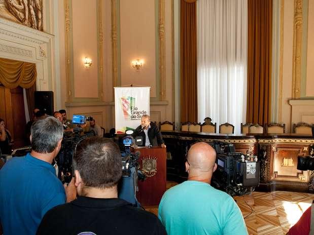 O governador Tarso Genro falou a jornalistas do Palácio Piratini, em Porto Alegre (RS) Foto:  / Divulgação