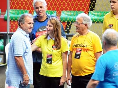 Zico ao lado da ex-presidente do Flamengo, Patrícia Amorim. Ele fez parte da recente vida política do time rubro-negro Foto: Luiz Roberto Lima / Futura Press