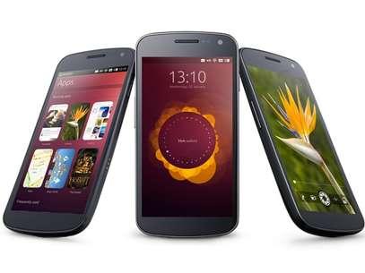 Smartphones com o Ubuntu foram exibidos na CES, em Las Vegas Foto: Canonical / Divulgação
