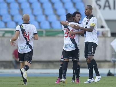 Vasco abriu o placar após gol contra de Jean Foto: Alexandre Loureiro / Agência Lance