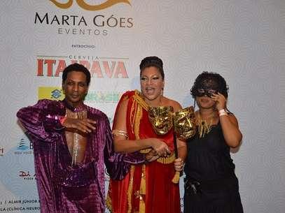 Marta Góes (centro) e a atriz global Tânia Toko se desentenderam em camarote  durante a folia em Salvador Foto: Boteco Marta Góes / Divulgação
