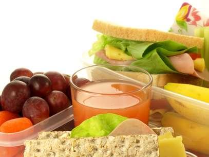 Armazenamento correto de alimentos evita problemas como a intoxicação alimentar Foto: Shutterstock