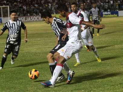 Ceará e Vitória voltam a se encontrar no próximo domingo, mas time de Fortaleza terá que vencer por três gols de diferença Foto: LC Moreira / Agência Lance