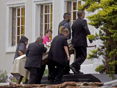 Velório de Reeva Steenkamp aconteceu em cerimônia privada em Port Elizabeth Foto: AP
