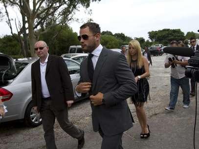 Apontado como possível pivô de briga entre Pistorius e Reeva, jogador de rúgbi Francois Hougaard compareceu ao velório Foto: Reuters