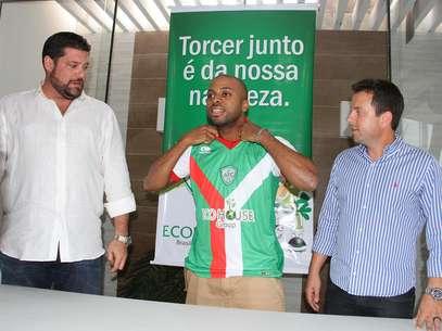 Stefano Seedorf é apresentado como reforço do Alecrim Foto: Gabriel Peres/Alecrim / Divulgação