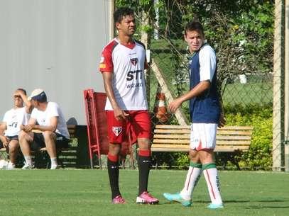 Wallyson participou de jogo treino com a Portuguesa Foto: São Paulo FC / Divulgação