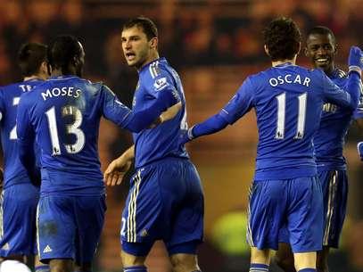 Com gols de Ramires e Hazard, Chelsea confirmou classificação nas oitavas de final Foto: AP