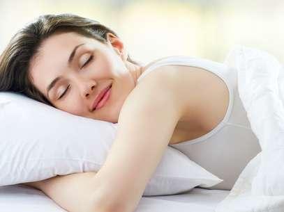 Boa noite de sono estimula a produção de colágeno e elastina da pele Foto: Shutterstock
