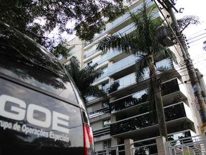 Chorão foi encontrado desacordado por seu motorista no prédio em que morava, em Pinheiros (foto) Foto: Futura Press