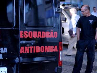 Prédio da OAB no Rio de Janeiro foi esvaziado após explosão, na tarde desta quinta-feira Foto: Luiz Roberto Lima / Futura Press