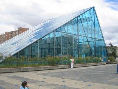 A Maloka, em Bogotá, é um centro de difusão da ciência e da tecnologia, que chama a atenção tanto pela sua arquitetura quanto por sua interatividade Foto: A. Hernández/Wikicommons
