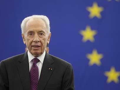 O presidente israelense, Shimon Peres, discursa ao Parlamento Europeu em Estrasburgo, na França Foto: Reuters