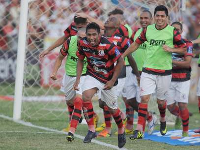 Campinense foi campeão da Copa do Nordeste Foto: Futura Press
