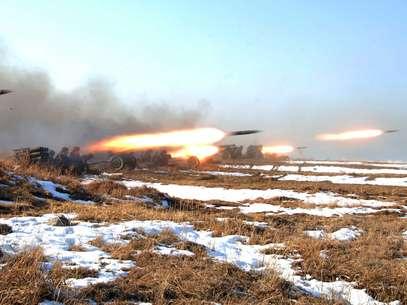 """Coreia do Norte anuncia """"postura de combate"""" e ameaça alvos americanos"""