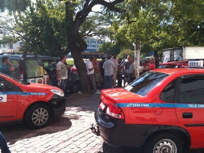 Taxista protestaram pelas mortes de membros da categoriaem Porto Alegre Foto: Daniel Fávero / Terra