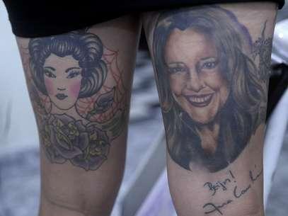 A tatuagem da cantora Ana Carolina que a jovem queria exibir no ar Foto: Daniel Ramalho / Terra