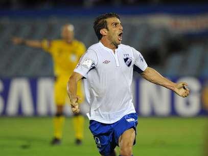 Ivan Alonso cobrou pênalti e marcou o terceiro gol Foto: AFP