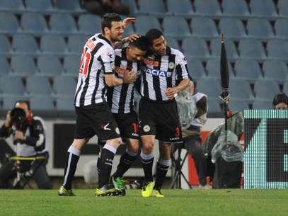 Di Natale comemora gol na vitória da Udinese sobre a Lazio Foto: Getty Images