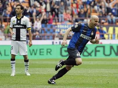 Rocchi comemora gol da Inter de Milão Foto: Reuters