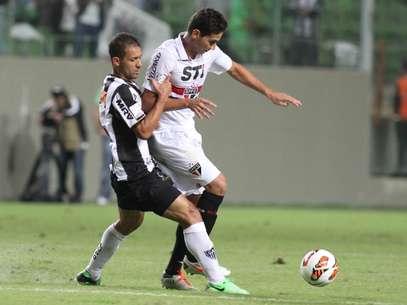 Ganso sentiu desconforto muscular após derrota do São Paulo em Belo Horizonte Foto: EFE