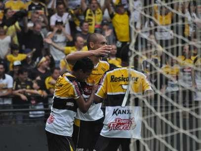 Criciúma atropelou Chapecoense neste domingo Foto: Deza Bergman / Gazeta Press
