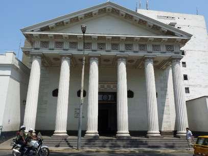 A fachada do museu foi inspirada na arquitetura greco-romana Foto: Visor Peru/Creative Commons