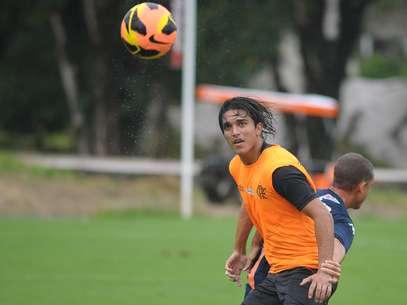 Marcelo Moreno marcou um belo gol no empate do Flamengo em jogo-treino Foto: Bruno Turano/Agência Eleven / Gazeta Press