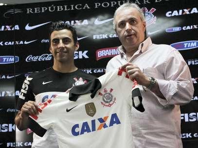 Maldonado jogou pelo Flamengo em 2012, se recuperou de lesão no Corinthians e acertou contrato até o final do ano Foto: Alê Cabral / Futura Press